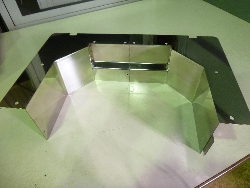 ステンレス薄板 鏡面 レーザ溶接にて加工