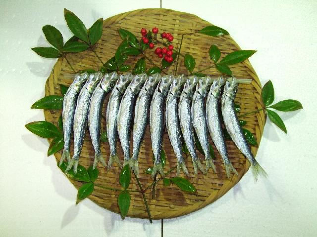 厳選した鮮魚を伝統製法・無添加で干し上げています
