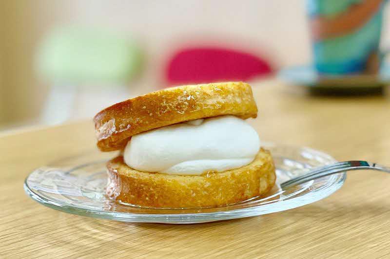メープル食パン使用「メープルマーブル」